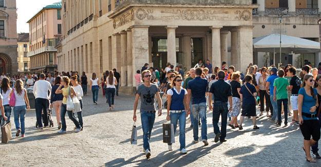 Shopping streets in padua italy for Negozi arredamento padova